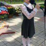 Фото с поэтического флешмоба «Весна Победы», который прошел 9 мая в парке Победы, около Памятника участников Великой Отечественной войны.
